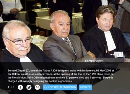 image : Bernard Ziegler (Airbus) et son avocat Henri Leclerc (Colmar, mai 2006)
