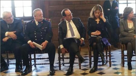 image Hollande au palais de justice de Paris le 12 novembre 2016